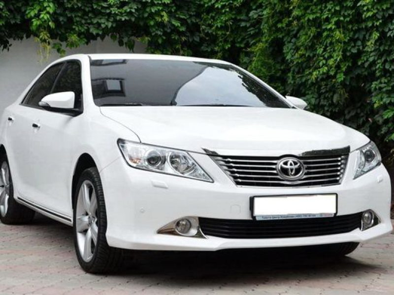 Toyota-Camry-V50-белая